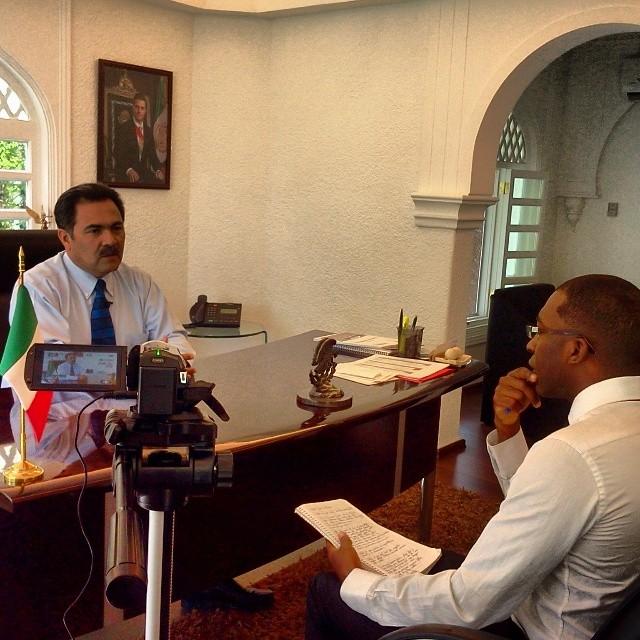 Anthony Hill estudiante de SUNY entrevista al Dr. Jorge Morales Barud. Presidente municipal de Cuernavaca.